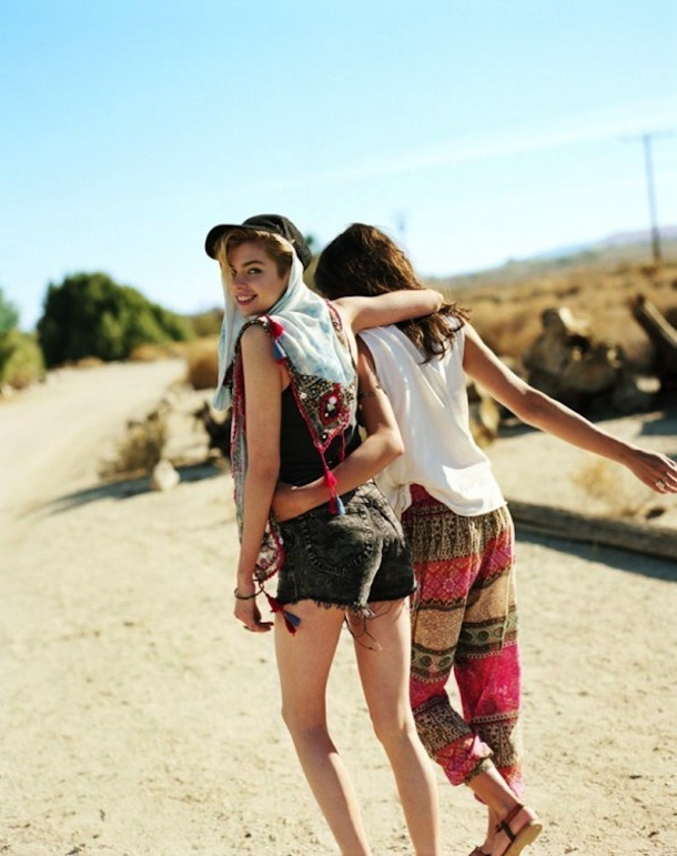 Urban-Outfitters-Festival-Lookbook-2013-designer.co.th-5